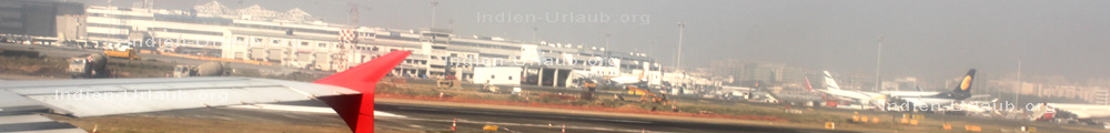 Indien Urlaub Airport bei der Landung in Bombay Munbai, indischer Bundesstaat Maharashrtra.
