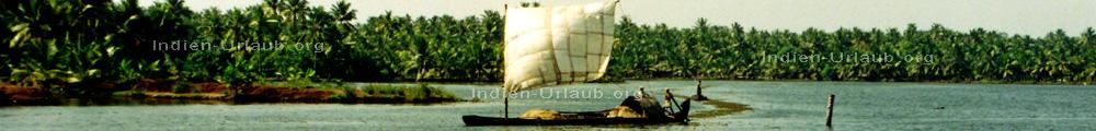 Kerala in Sued Indien typisches Hausboot